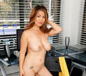 Lucy Page - Naughty Milf - Anilos 19