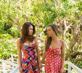 Abigail Mac, Vanessa Veracruz - We Live Together 3
