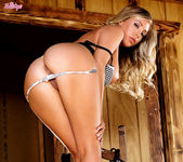 Busty Samantha Saint Pleases Her Snatch With Her Fingers 12