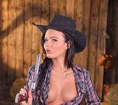 Vanessa Decker - 1by-day 4