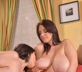 Joanna Bliss & Luna Amor 11
