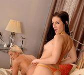 Mischelle & Vanessa Jordin 8