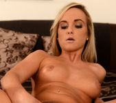 Vinna Reed - Delicious Blonde - Club Sandy 16
