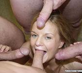 Caitlin gets blowbanged 10