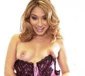 Roxy Jezel strips 30