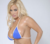 American Top 10 Babe Shyla Stylez Shows Off Her Body 9