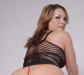 Squirt Slut Flower Tucci Shows Off Her Tight Bubble Butt 7