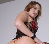 Squirt Slut Flower Tucci Shows Off Her Tight Bubble Butt 18