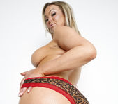 Abbey Brooks, AJ Applegate, Aleksa Nicole, and Ashley Fires 4