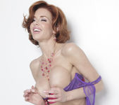 Veronica Avluv is What Feeling Good Looks Like 16
