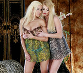 Gina Lynn Shows Taylor Wane A Good Time 6