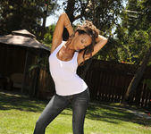 Katsuni Gets Wet N' Wild With The Hose In Her Back Yard 5