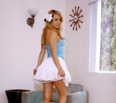 Hot, hot Lexi Belle gets naked 5