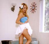 Hot, hot Lexi Belle gets naked 7