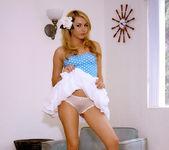 Hot, hot Lexi Belle gets naked 9
