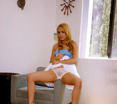 Hot, hot Lexi Belle gets naked 13