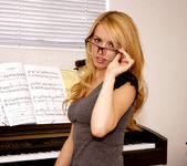 Lexi Belle gets undressed - Premium Pass 5