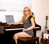 Lexi Belle gets undressed - Premium Pass 6