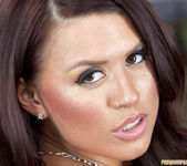 Eva Angelina gets down to the skin 23