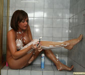 Tory Lane - Leg Shaving Time 15