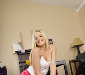 Alexis Texas Played With Myself Before The Sleepover 28