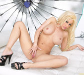 Blonde Babe Gina Lynn Strips Down 7