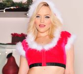 I Can't Find Santa Anywhere - Alexis Texas 13