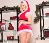 I Can't Find Santa Anywhere - Alexis Texas 20