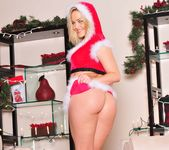 I Can't Find Santa Anywhere - Alexis Texas 21