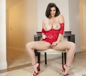 Sara Stone 23