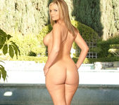 Perfect Body - Phoenix Marie 8
