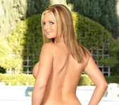 Perfect Body - Phoenix Marie 9