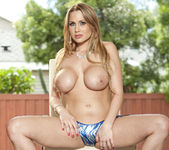Alanah Rae Loves Public Nudity 22