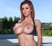 Sara Stone Stunning Solo 25