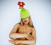 Pornstar Lexi Belle in the Green Flower Hat 20