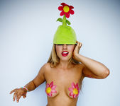 Pornstar Lexi Belle in the Green Flower Hat 26