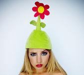 Pornstar Lexi Belle in the Green Flower Hat 28
