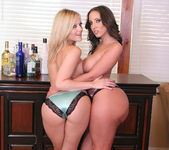 Threesome with Alexis Texas and Kelly Divine 18