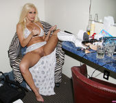 Gina Lynn's Day in the Life, with a Bonus 2