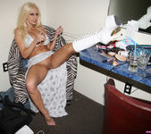 Gina Lynn's Day in the Life, with a Bonus 4