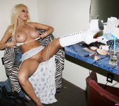 Gina Lynn's Day in the Life, with a Bonus 5