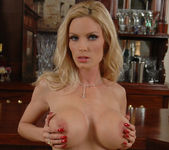 Diamond Foxxx Gets Naked at the Bar 19