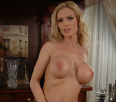 Diamond Foxxx Gets Naked at the Bar 25