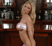 Diamond Foxxx Spotlights Her Big Breasts with a Tease 10