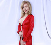 Nina Hartley Plays Woman in Red 5