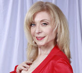 Nina Hartley Plays Woman in Red 9