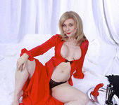 Nina Hartley Plays Woman in Red 17