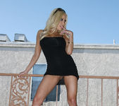 Gina Lynn Naked In Gorgeous Weather 9