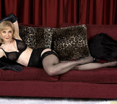 Nina Hartley - Black and Red 15