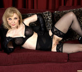 Nina Hartley - Black and Red 19